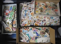 Lot 1090:Australia & GB 5.30kg in carton with array of modern issues, suit packet maker. (1,000s)